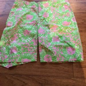The chipper shorts Bermuda Lilly Pulitzer sz 2 4